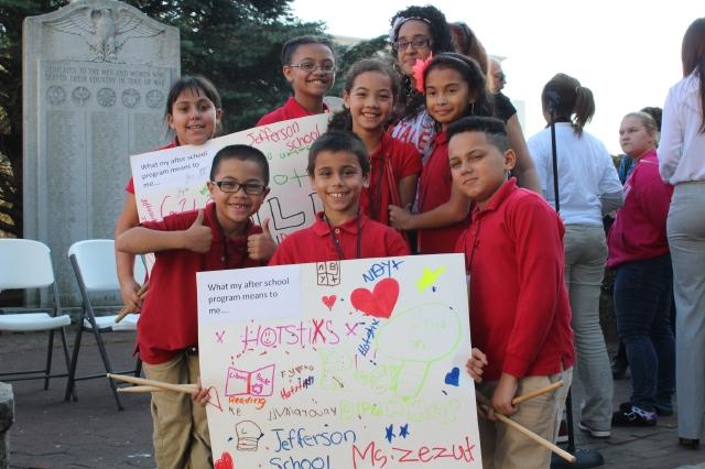 Crece necesidad de programas extraescolares para hispanos