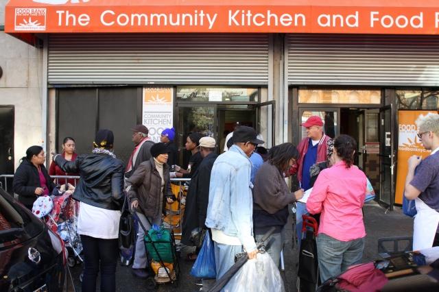 Crece necesidad de asistencia alimentaria en NYC