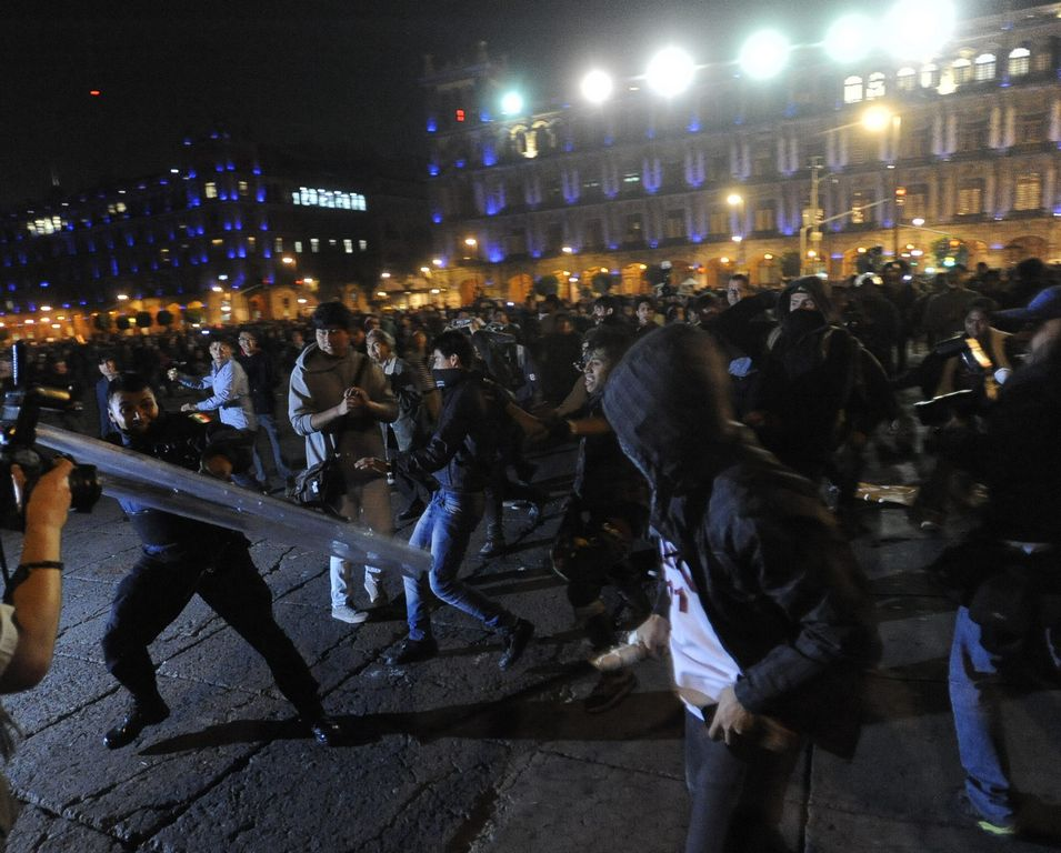 Chileno arrestado en México durante protesta cambia de abogados