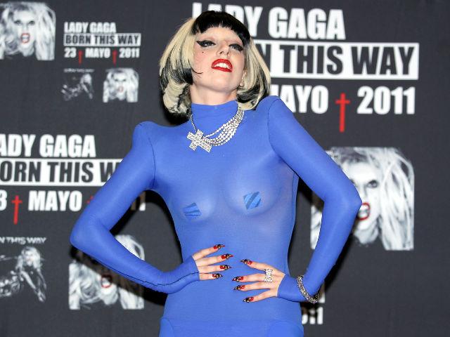 Lady Gaga reveló que fue violada a los 19 años