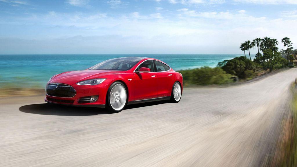 El Tesla S es el líder de los vehículos eléctricos según sus compradores.