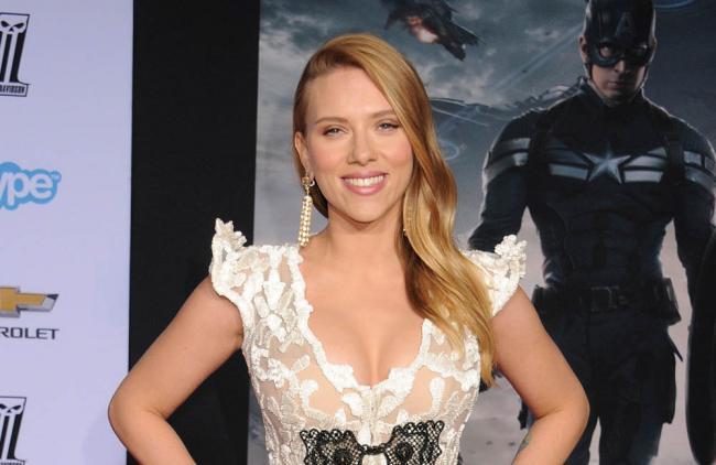 """Scarlett Johansson se """"libera"""" en las escenas de sexo"""