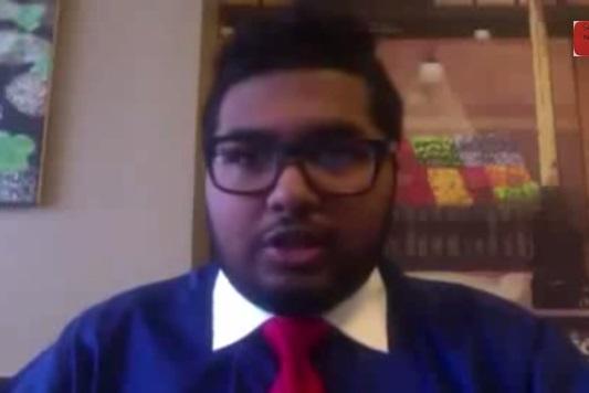 Adolescente de NYC se hace millonario invirtiendo en bolsa