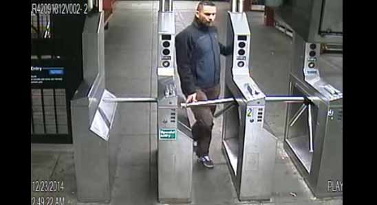 Investigan a policía por estrangular a empleada de la MTA en subway