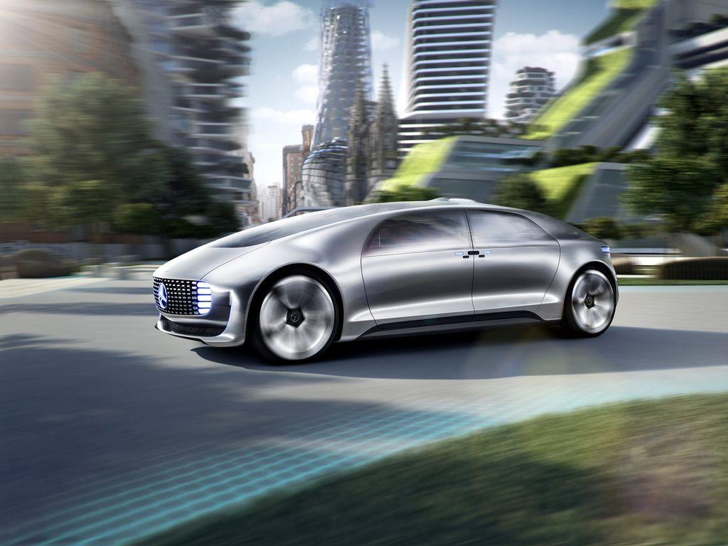 El nuevo Mercedes Benz que se conduce solo