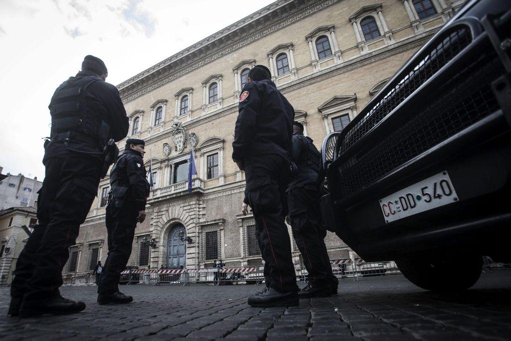 Francia extiende nivel de alerta antiterrorista a región de Picardy