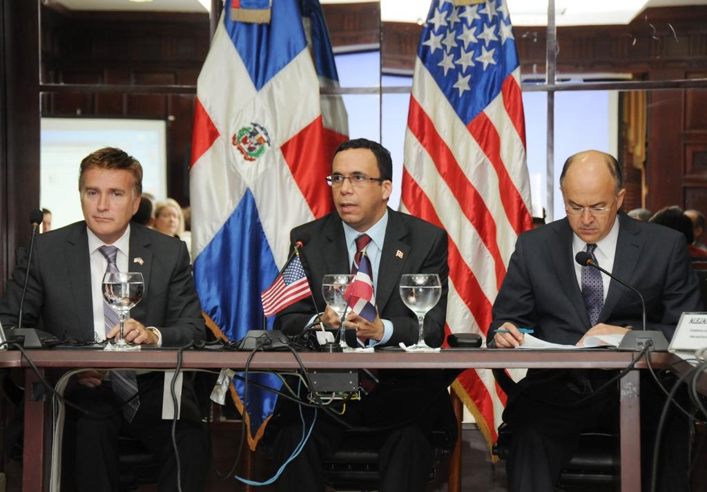 Dominicana y EEUU renovarán tratado de extradición