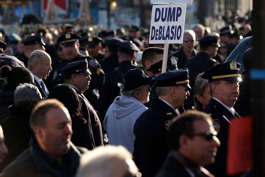 Pocos policías piden que el Alcalde no asista a su funeral