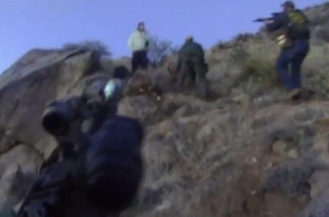Acusan a policías por asesinato de desamparado en Nuevo México