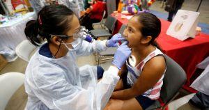 Se ofrece atención médica gratuita en el consulado de México de LA