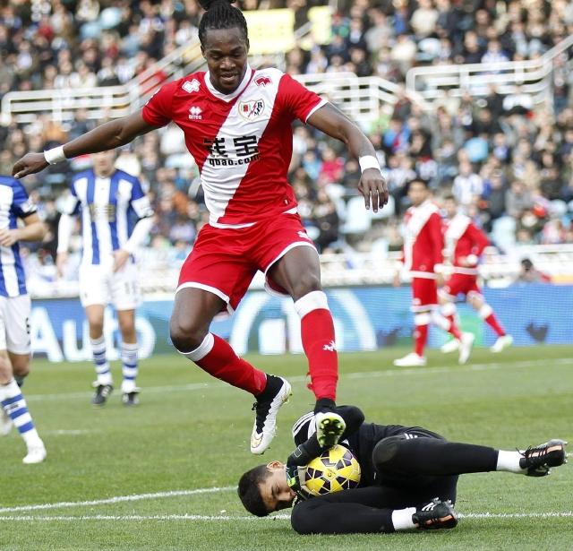 Manucho, autor del gol de la victoria  fue una amenaza toda la tarde para el portero Gero Rulli de Real Sociedad.