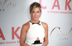 Jennifer Aniston no posaría semidesnuda junto a otra mujer