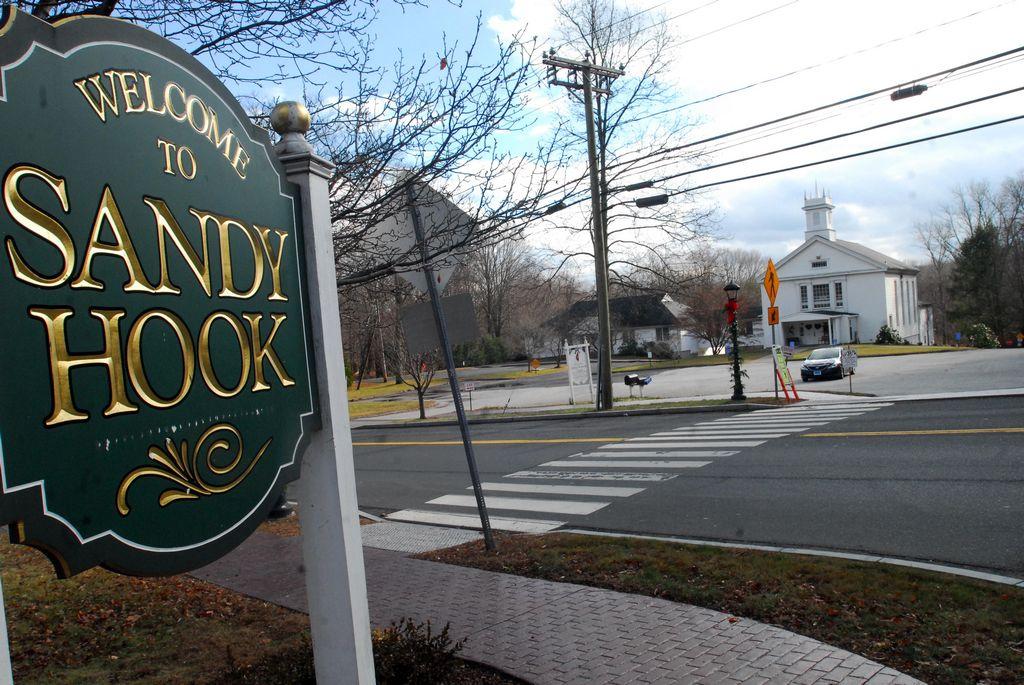 Demolerán casa de pistolero de masacre en Sandy Hook