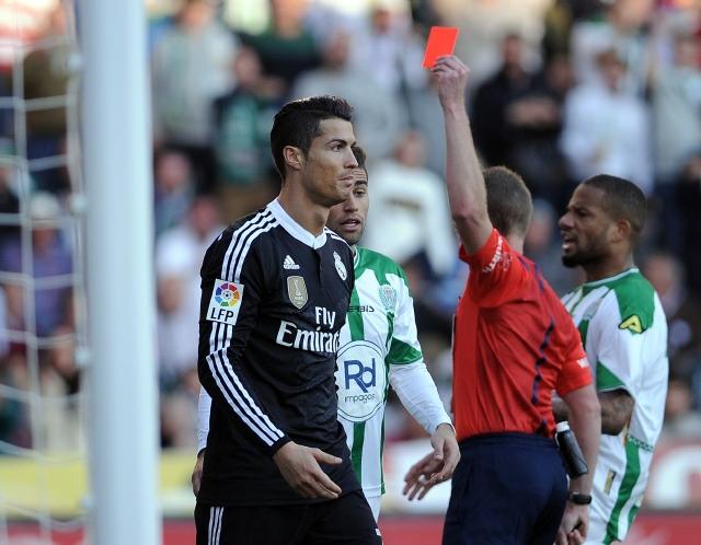 Real Madrid roza el papelón en Córdoba