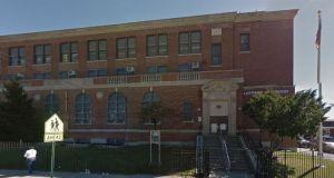 Profesor acusado de golpear a alumno discapacitado