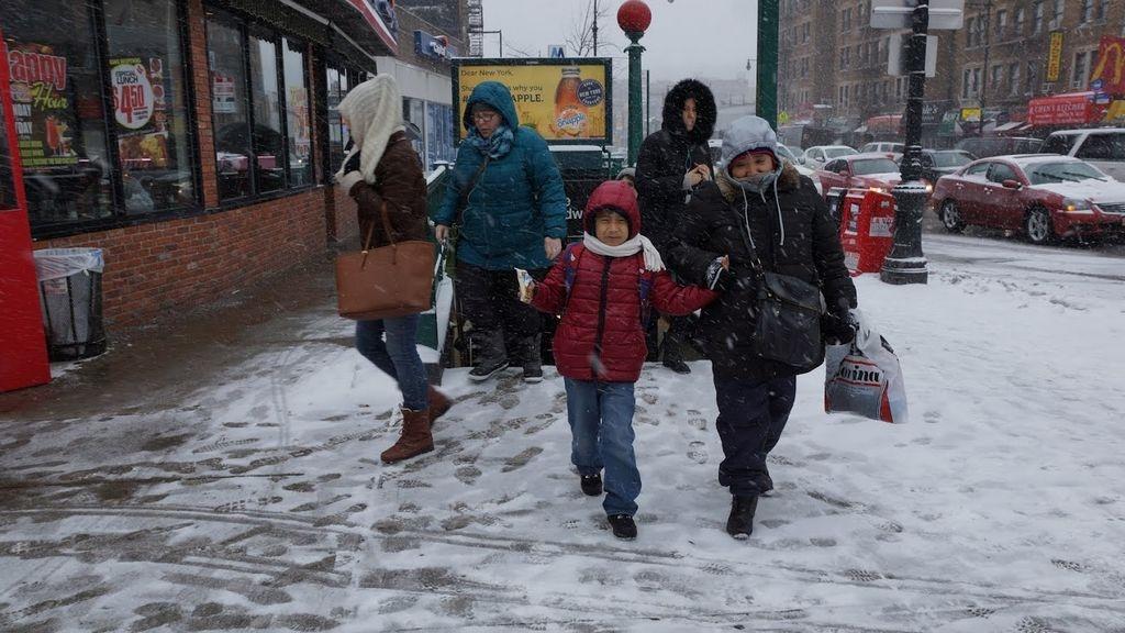 Suspenden clases y prohíben circular por calles de NYC (fotos)