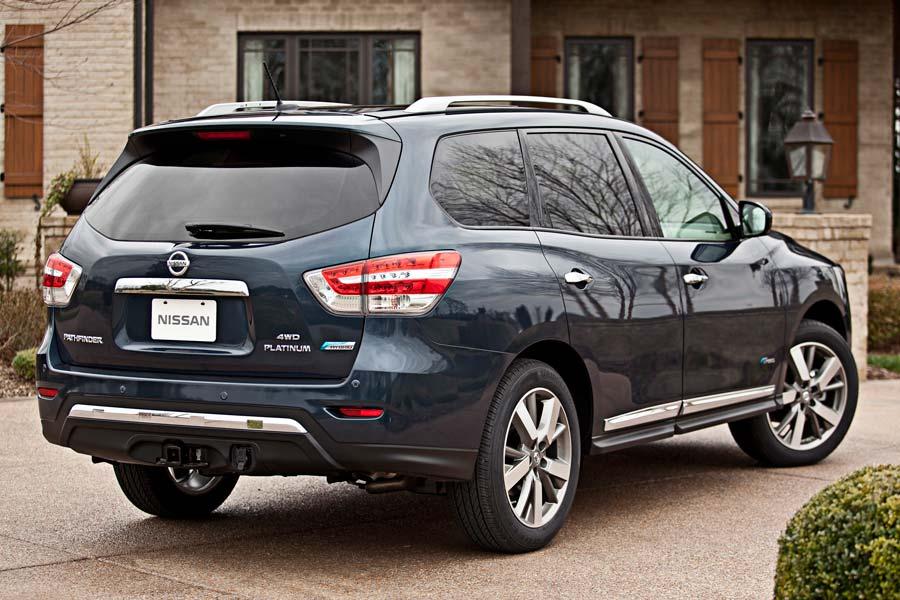 Nissan llama a retiro 768,000 vehículos