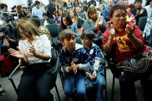 """Plan de presupuesto de Obama beneficia a latinos """"desde la cuna"""""""