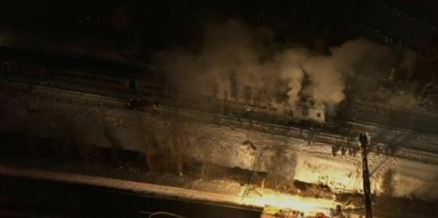 El impacto causó un fuego y una explosión posterior.