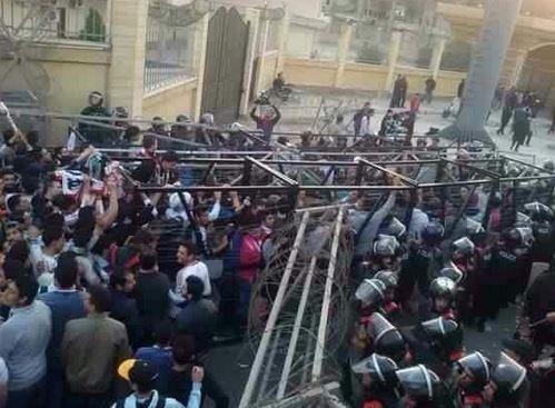 Al menos 20 mueren durante disturbios entre hinchas y policías en Egipto