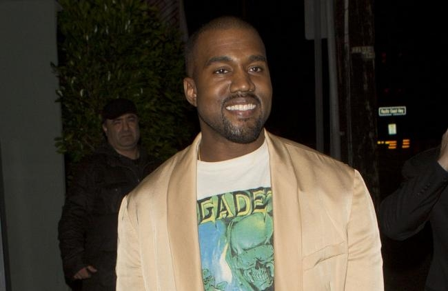 A Kanye West le cae lluvia de críticas tras arremeter contra Beck