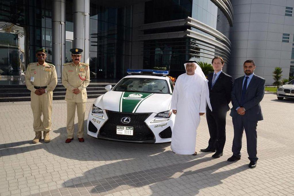 El Lexus RC F es parte de la exótica policía de Dubai