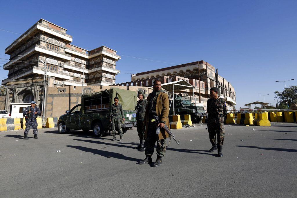 EEUU evacúa a su personal tras cierre de embajada en Yemen