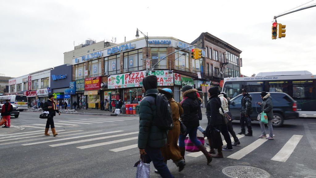 Detienen a adolescente horas después de homicidio en Brooklyn