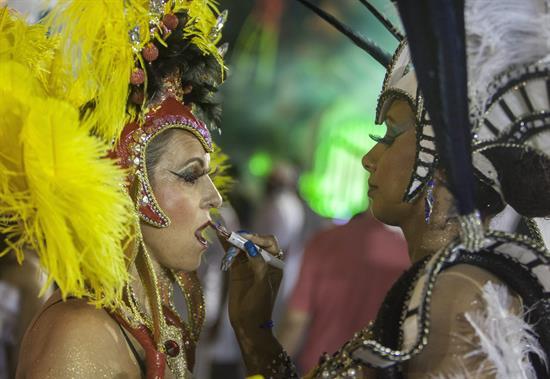 Tiroteo en carnaval de Río de Janeiro deja nueve heridos