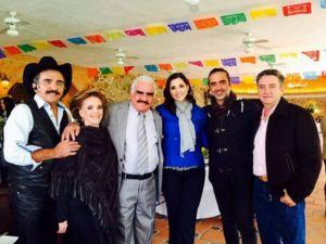Vicente Fernández celebró 75 años de vida con su familia