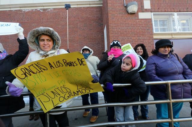 Los padres de familia que tienen a sus hijos en la P.S. 19 de Corona, Queens, expresaron su satisfacción por la nueva escuela que se construirá.