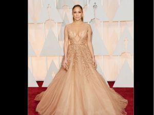 ¡Cuidado! El 'blooper' de Jennifer López en los Oscar 2015 (video)