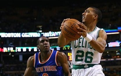 Jerebko lidera a los Celtics y hunde a los Knicks