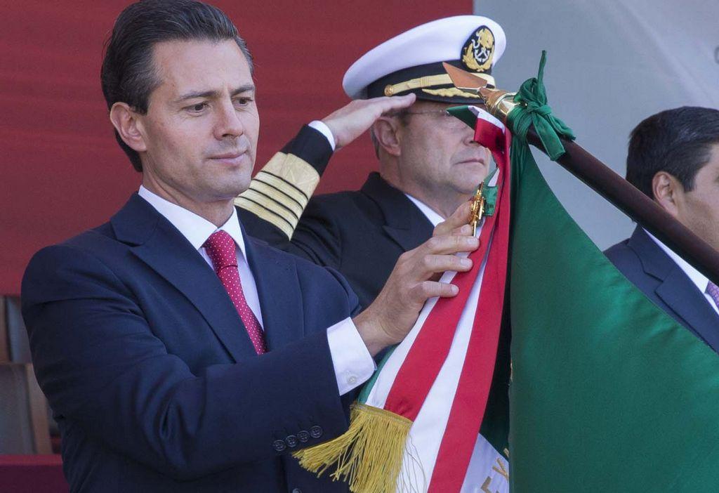"""Peña Nieto quiere """"armar"""" a agentes extranjeros"""