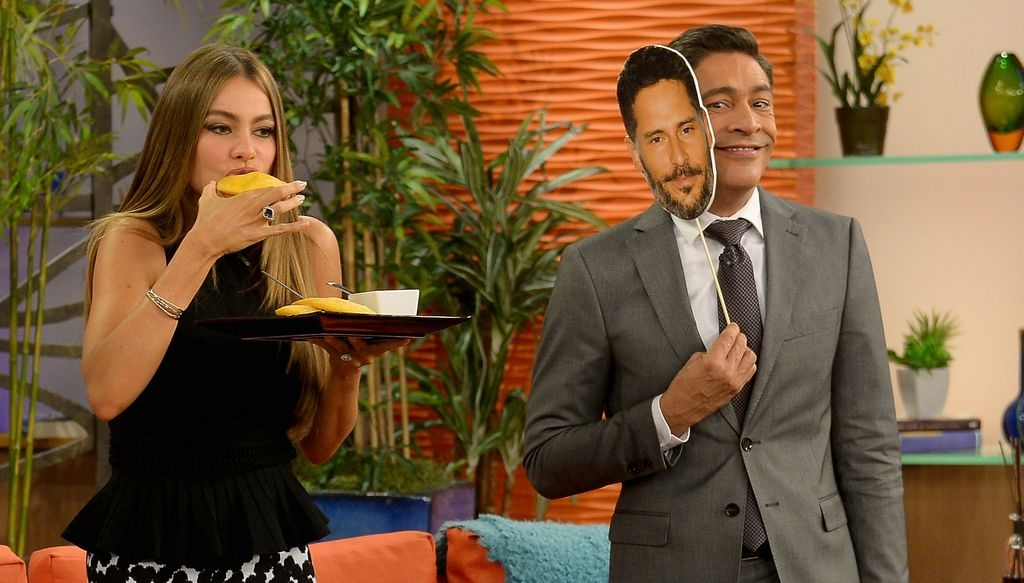 Sofía Vergara besó a Johnny Lozada en 'Despierta América' (video)