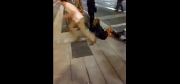 Lo que le hizo este desconocido a una mujer en la calle no tiene nombre…