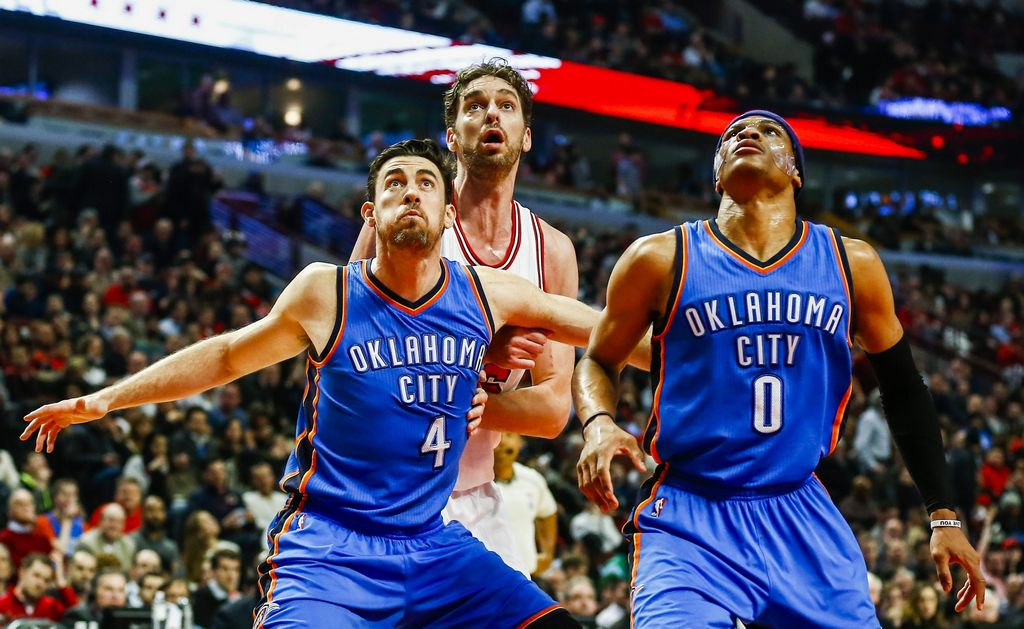 Russell Westbrook continuó el jueves con su tórrida segunda mitad de temporada para el Thunder, pero sus 43 puntos no alcanzaron contra Chicago.