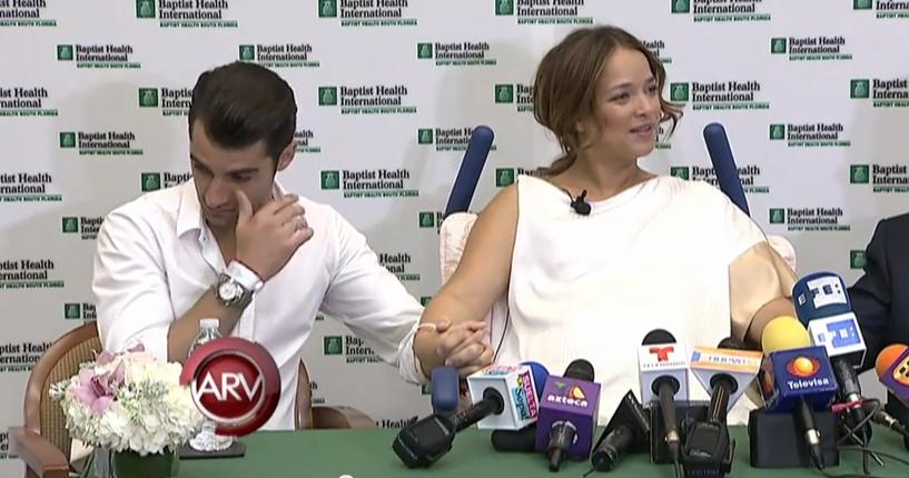 Adamari López y Toni Costa lloran en conferencia de prensa (video)