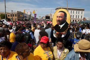 Miles conmemoran los 50 años de marcha por los derechos civiles