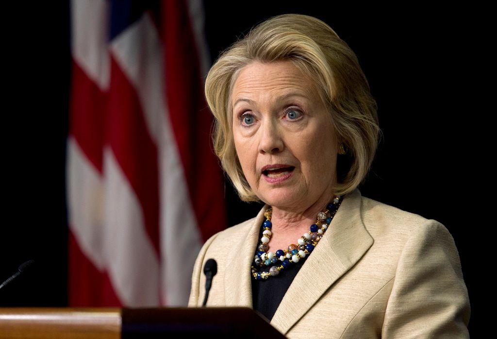 Hillary Clinton responderá a controversia por correo privado