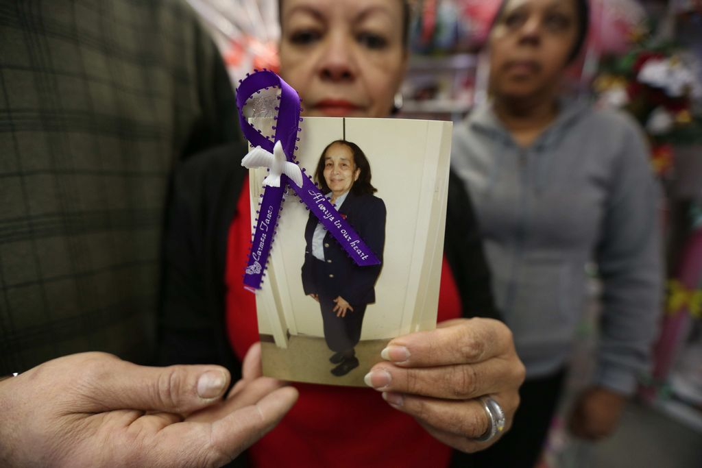 Dolor a flor de piel a un año de tragedia en East Harlem