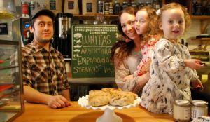 """Gente NYC: """"Muchas empanadas y una historia de amor"""""""