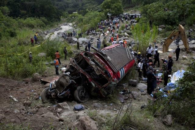 Accidente de bus en Brasil deja al menos 49 muertos