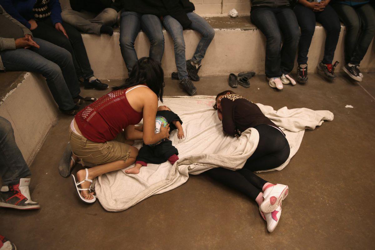 El aislamiento aún es usado contra inmigrantes en detención civil