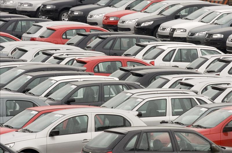 Casi 24% caen las ventas de autos en Brasil