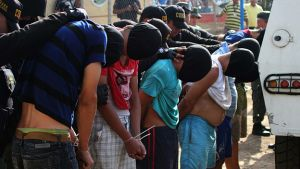 Crisis en la frontera: ¿Quiénes son los paramilitares que dice Maduro?