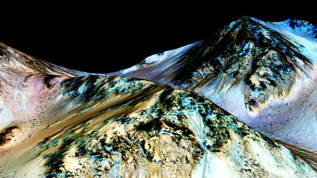 Así fluye el agua líquida en la superficie de Marte