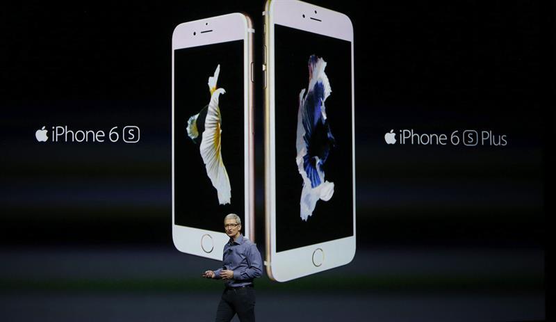 El 'error' de Apple: forzar a una mujer a sonreír