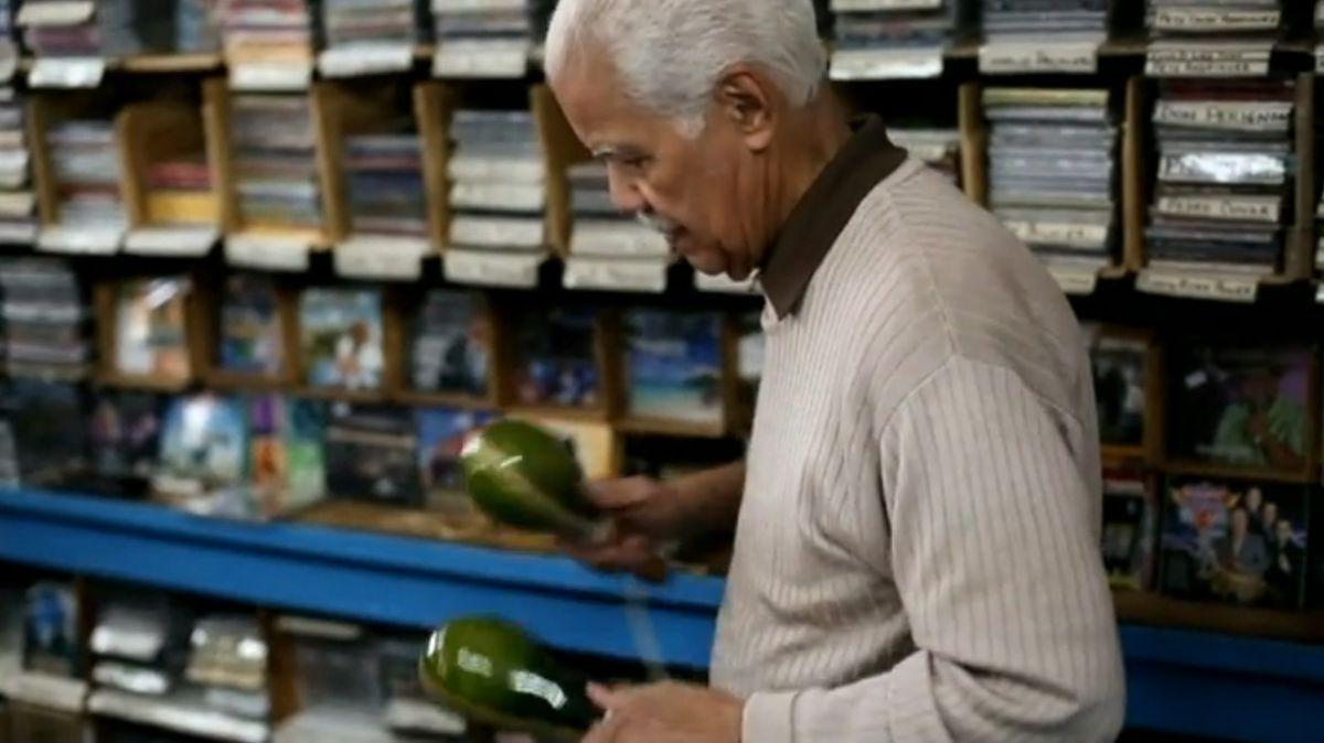 Un melómano que comparte su pasión: Casa Amadeo en El Bronx