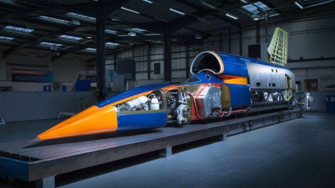 Bloodhound, el auto más rápido que un avión de combate